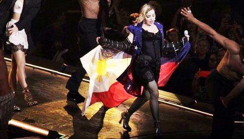 Madonna-pinoy-flag