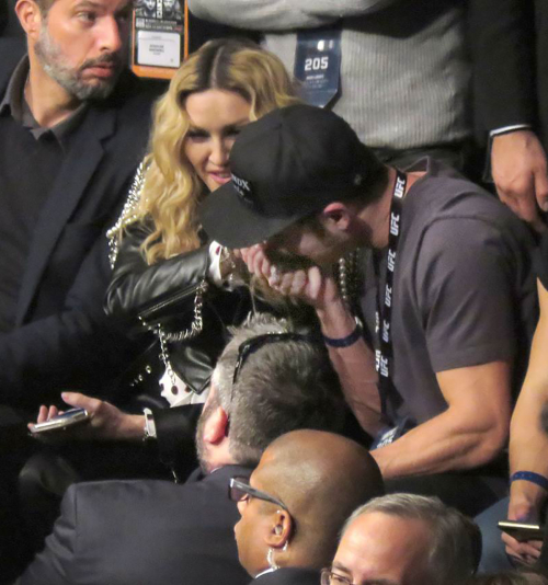 1000_zac_efron_madonna_splash_111416